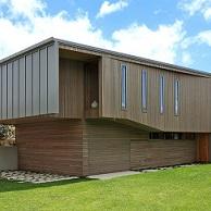 Hahei Beach House. Find Case Study here: https://goo.gl/u5ewqn More Vertical Shiplap pictures: https://goo.gl/44irLI Thinking of dark weatherboards? https://goo.gl/FlfAWK